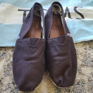 Brown toms Size 5.5